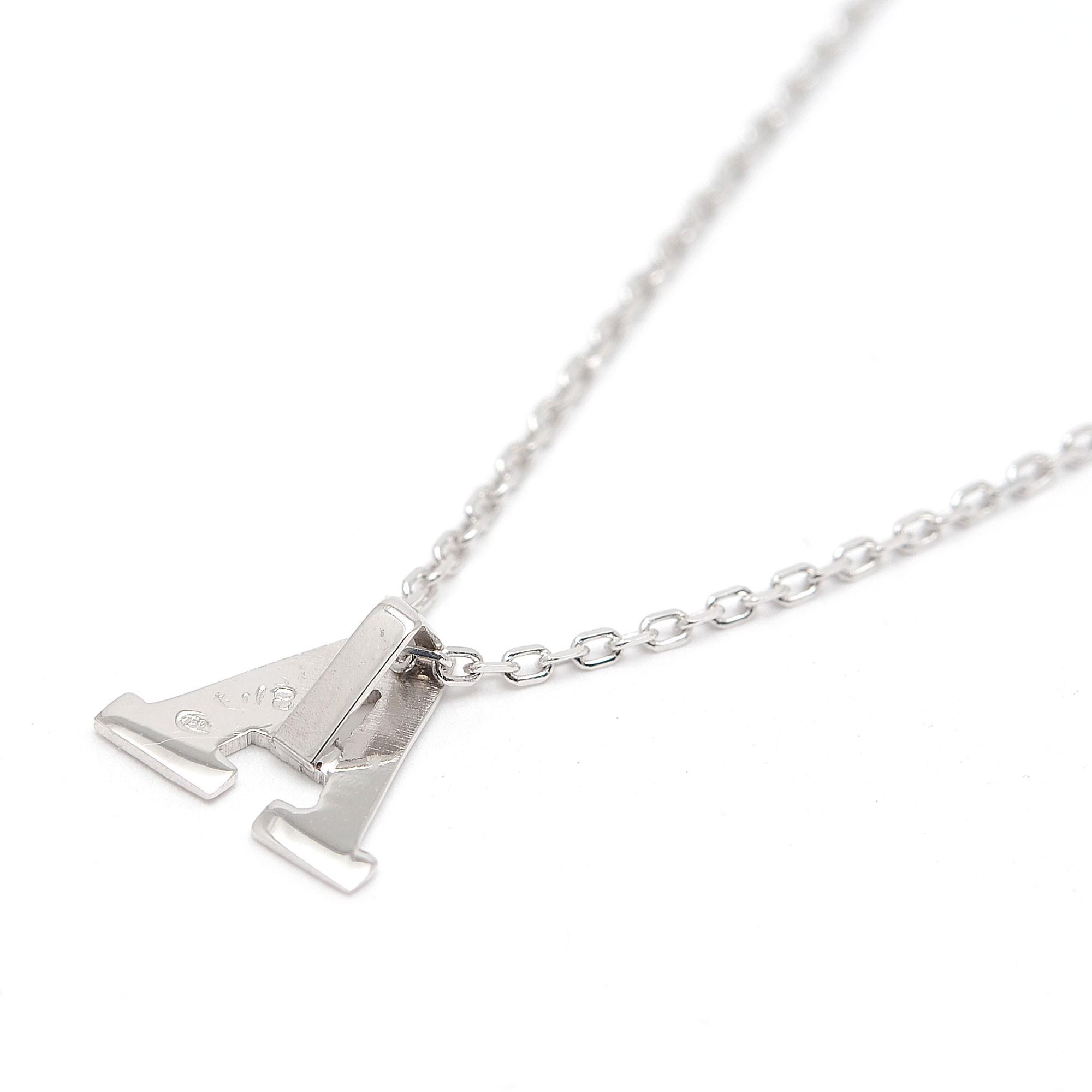 f0bbc3c28256 Colgante de oro blanco con la letra inicial y cadena