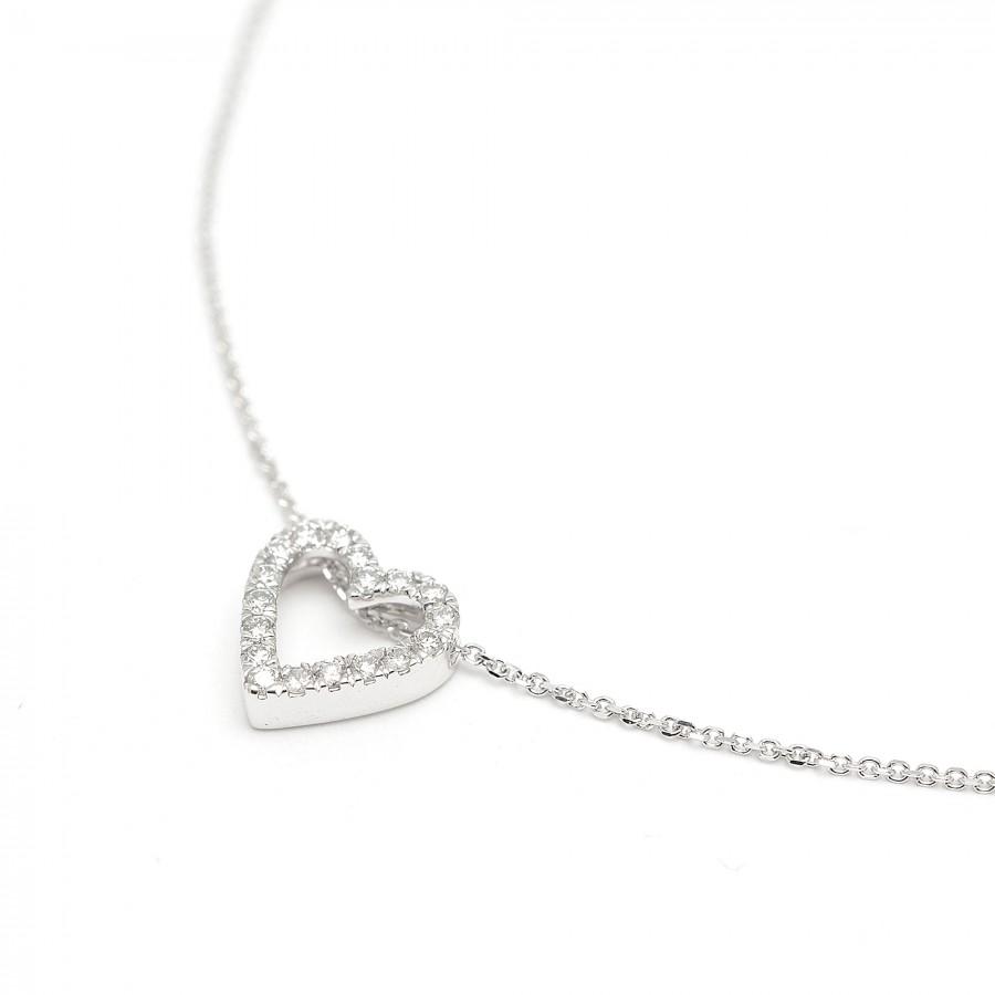 Gargantilla de oro blanco con corazón de diamantes